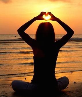 yoga-valentines-sillouhette